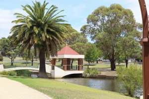 rose-garden-kernot-lake-town-commons-or-pirate-park_23617693813_o