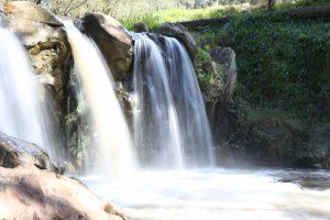 Narracan Falls, falling water, spraying water, 15 foot drop,
